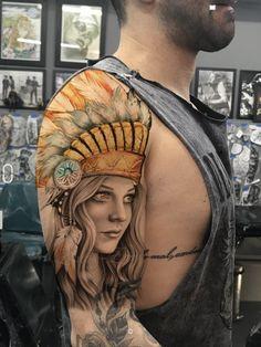 Native Indian Tattoos, Indian Girl Tattoos, Western Tattoos, Native American Tattoos, Traditional Tattoo Colours, Body Art Tattoos, Sleeve Tattoos, Headdress Tattoo, Mangas Tattoo