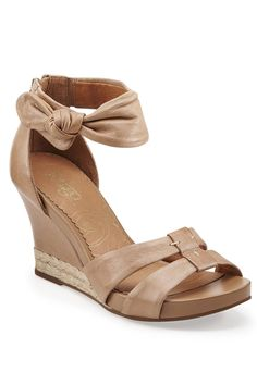 Clarks Sky Reno Wedges In Natural Leather