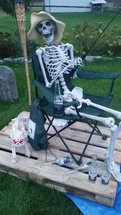 Halloween Party Decoration 46/' Jointed Plastic Skeleton