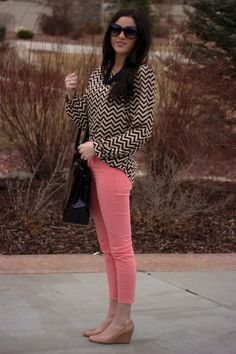 I want this outfit . nope, I NEED this outfit Coral Skinny Jeans, Coral Pants, Red Pants, Casual Outfits, Cute Outfits, Passion For Fashion, Dress To Impress, Beautiful Outfits, Fashion Forward