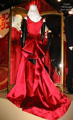 "Satine's Red Gown a.k.a. the ""Smoldering Temptress"" Gown in Moulin Rouge  --  The Costumer's Guide to Movie Costumes"