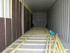 How to install insulation in a shipping container home for Isolation container maritime