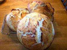 Homemade Bread: Bread is a staple in almost every culture, and it's really fun to make at home! Plus, homemade bread taste soo good. Try these great homemade bread recipes! Gluten Free Sourdough Bread, Making Sourdough Bread, Sourdough Recipes, Bread Recipes, Sourdough Bread Bowl Recipe, Starter Recipes, Pretzel Bread, No Knead Bread, Yeast Bread