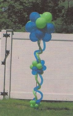 Crazy Balloon Topiary Pillar