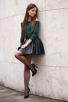Public public sexy hot long legs long legs pantyhose Source by carstenschemel … Skater Skirt Outfit, Skirt Outfits, Sexy Outfits, Stylish Outfits, Cool Outfits, Fashion Outfits, Classy Outfits, Work Fashion, Trendy Fashion