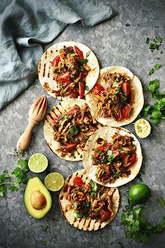 Sweet Gula: Tacos de Frango com Molho de Abacate e Lima