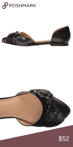 Black Bow Flats  Brand: Boutique  ❌ NO TRADES EVER   New in Box   True to Size   Slide-in design. Vegan upper. Top knot at top of toe. Pointed toe construction. Minimal heel. Man-made insole and lining. Man-made sole. Heel Height: 1⁄2 in Boutique Shoes Flats & Loafers