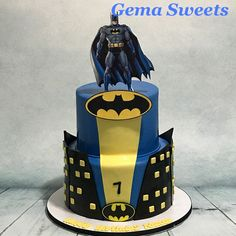 Batman cake by Gema Sweets.