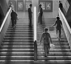 1950s Hong Kong Street Photography from Fan Ho - Cube Breaker