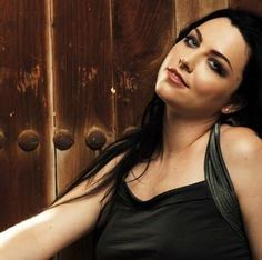 ❋∿Cappi          ...Amy Lee ~ Lead Singer of Evanescence