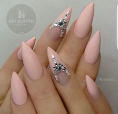 18 Super Stylish Stiletto Nail Designs | Craft or DIY #NailJewels