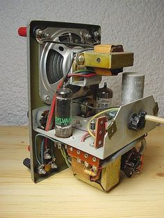 1 million+ Stunning Free Images to Use Anywhere Valve Amplifier, Radio Design, Diy Speakers, Tech Hacks, Antique Radio Radios, Radio Design, Speaker Design, Diy Tech, Tech Hacks, Radio Amateur, Electrical Engineering Books, Valve Amplifier, Electronic Circuit Projects