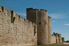 Brexit campaigners demand to live in medieval style fortres surrounded by a wall | NewsWibble.com