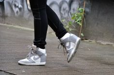 Outfit | Nike Dunk Sky High ~ Dogs and dresses | personal style blog
