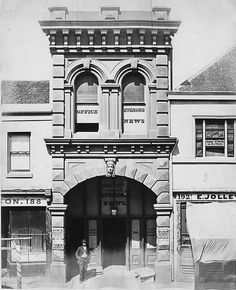 The Empire and Evening News at 190 Pitt St,Sydney in 1871.Photo from State Library of NSW.A♥W