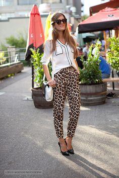 Bold animal print - 2 ways (with crazy style love) . Animal Print Outfits, Animal Print Fashion, Animal Prints, Office Fashion Women, Everyday Fashion, Leopard Print Pants, Cheetah, Classic Style Women, Autumn Winter Fashion