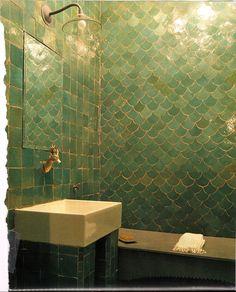 Home of Thrones — modern-day Fish-tile bathroom for House Tully. Mermaid Tile, Mermaid Bathroom, Bathroom Scales, Mermaid Scales, Bad Inspiration, Bathroom Inspiration, Fish Scale Tile, Shower Tile Designs, Shower Tiles