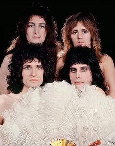 Queen during a photo session with Mick Rock in . Photo © Mick Rock ( by Musica dei Queen Queen Pictures, Queen Photos, Queen Images, John Deacon, Bryan May, Outfits Inspiration, Queen Brian May, Princes Of The Universe, Roger Taylor