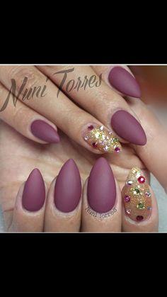glam stiletto nails