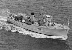 HMNZS Hickleton. Ton class minesweeper Royal Navy, Us Navy, Sail Boats, Navy Ships, World Leaders, Battleship, Warfare, Ww2, New Zealand
