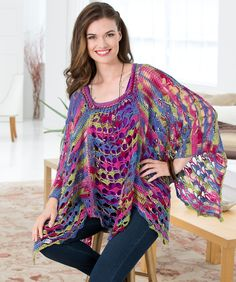 Light and lacy poncho - free crochet pattern! I love its shape and the fact that it comes in so many sizes!