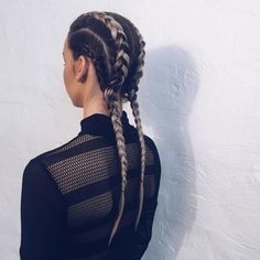 Pretty Ways to Rock Boxer Braids Loving the look of these clean Dutchrow braids.Loving the look of these clean Dutchrow braids. Tight Braids, Long Box Braids, Pigtail Braids, Cornrows, 4 Braids, Box Braids Hairstyles, Fancy Hairstyles, Cornrow Hairstyles White, Scene Hairstyles