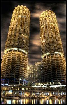 Marina City, Chicago (parece espiga de milho)