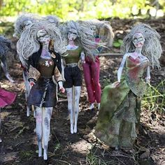 Barbie Zombies: Craft Inspired by The Walking Dead Barbie Halloween, Zombie Barbie, Halloween Cosplay, Halloween Crafts, Halloween Party, Zombie Prom, Halloween Magic, Creepy Halloween, Halloween 2019
