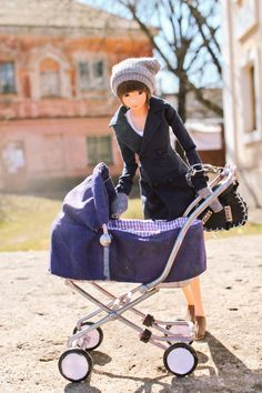 Gringoire @Gringoire16 4月13日  Young mother #momokoph