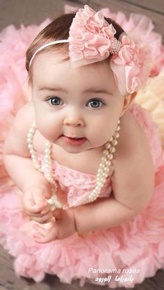 Cute Baby Girl Pictures, Baby Girl Images, Baby Photos, Cute Kids Photography, Baby Girl Photography, Cute Little Baby Girl, Cute Babies, World's Cutest Baby, Six Month Baby