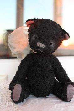Noir by Kind Bears