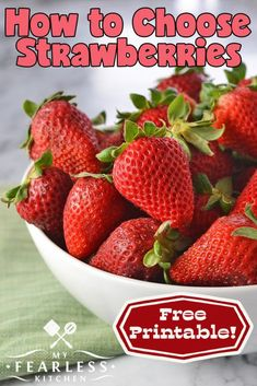 "Strawberry season is one of our favorite seasons! But how do you know if you're picking the ""right"" strawberries? Are they ripe enough? Are they too ripe? Use these simple tips to pick the perfect berries every time. Healthy Strawberry Recipes, Fruit Recipes, Healthy Tips, Easy Recipes, Fruit Picking, Ripe Fruit, Quick And Easy Breakfast, Recipes For Beginners, Easy Snacks"