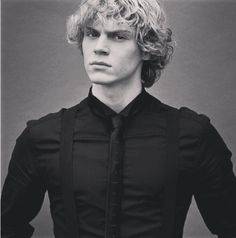 Sweet Jesus. Evan Peters #American horror story lol don't know if I can call him rugged or pretty just scary