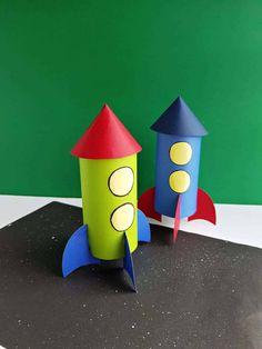 Homemade Rocket Craft For Kids - Craft Play Learn Space Crafts For Kids, Craft Activities For Kids, Preschool Crafts, Diy For Kids, Space Activities, Hand Crafts For Kids, Spaceship Craft, Rocket Craft, Rockets For Kids