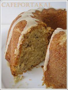 Nasıl bir kek bu :) yedikçe yemek istiyor insan...Sevgili Benhur 'da görünce izleri takip ederek asıl sahibi olan Sevgili Tümay' a ulaştım:...