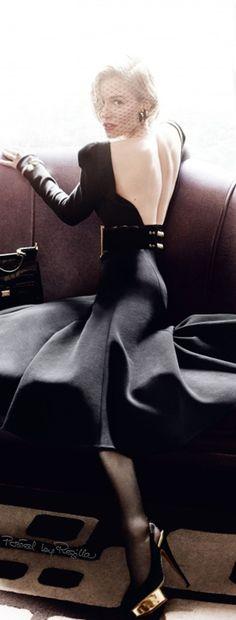 Regilla ⚜ Sienna Miller by Mario Testino Vogue-uk- October-2015