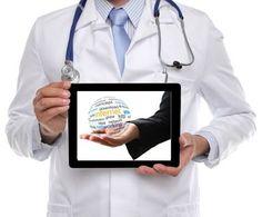 SALUD Y REDES SOCIALES  El Barómetro Sanitario de 2012 indicaba que cuando se toma un medicamento, la principal fuente de información son los profesionales sanitarios (médico para el 88%, farmacéutico el 36% y enfermero el 10%) y la información del prospecto (30%). Familiares o amigos, Internet o autoridades sanitarias no llegan cada uno al 4%. Internet no ofrece confianza para la compra de medicamentos: el 97% no los ha comprado nunca allí.