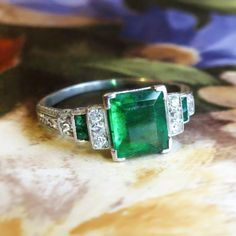 Antique Edwardian 1920's 1.78ct t.w. Emerald & Old European Cut Diamond Hand Engraved Platinum Ring | Antique & Estate Jewelry