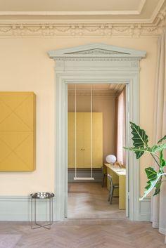 Note Design Studio celebrates pastel tones in revamped apartment Home Design, Interior Design, Design Ideas, Interior Columns, Interior Doors, Dark Interiors, Colorful Interiors, Grey Floorboards, Stockholm Apartment