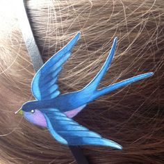 Sweets and colors: A swallow on the head BEAUTIFUL COLOURING.