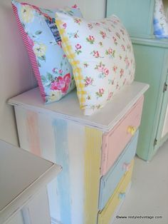 Restyled Vintage in Romantic Homes Magazine Romantic Homes, House And Home Magazine, Furniture Projects, Bed Pillows, Pillow Cases, Exciting News, Pastels, Vintage, Pillows