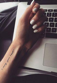 Tattoo-Platzierung - - Old School Tattoo - Allphotogalleries Form Tattoo, Tattoo Platzierung, Tattoo Hals, Shape Tattoo, Text Tattoo, Little Tattoos, Mini Tattoos, Trendy Tattoos, Small Tattoos