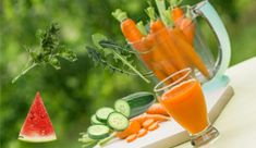 Carrot, watermelon and dandelion kidney stone juice  1 cucumber, peeled 6 carrots 1 cup dandelion greens 1 cup fresh parsley 1 slice of watermelon All ingredients must be organic to get the full health benefits.