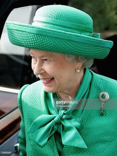 HM Queen <a gi-track='captionPersonalityLinkClicked' href=/galleries/search?phrase=Elizabeth+II&family=editorial&specificpeople=67226 ng-click='$event.stopPropagation()'>Elizabeth II</a> arrives at Holden Point to view the 2012 Olympic park site along with Tessa Jowell, Ken Livingstone and Lord Coe in Stratford on October 12, 2005 in London, England.
