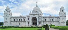 Le Victoria Memorial, situé à Calcutta en Inde, est un mémorial pour la Reine Victoria du Royaume-Uni qui avait également le titre d'impératrice des Indes.