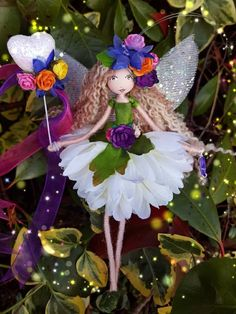 Image of Floretta Hanging fairy) Christmas Fairy, Christmas Tree Themes, Fairy Crafts, Doll Crafts, Tiny Dolls, Soft Dolls, Fairy Clothes, Felt Fairy, Clothespin Dolls