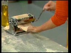 Cómo hacer masa para pastas rellenas : Pastas caseras - YouTube