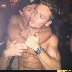 These gay hotties are so cute!!! :)