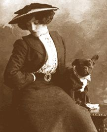 Thoughts on Toby Chien – Colette's muse, her beloved dog – the velvet nap Vintage Dog, French Vintage, French Bulldog Art, Bulldog Pics, Photo Black, Happy Dogs, Belle Epoque, Dog Photos, Vintage Photographs