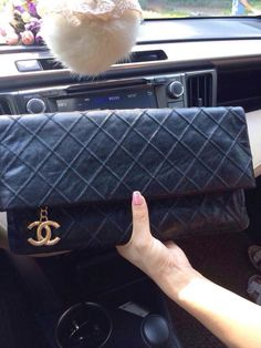 Chanel clutch   Daily update on wechat : alwaysclassy or E-mail : 2653764383@qq.com